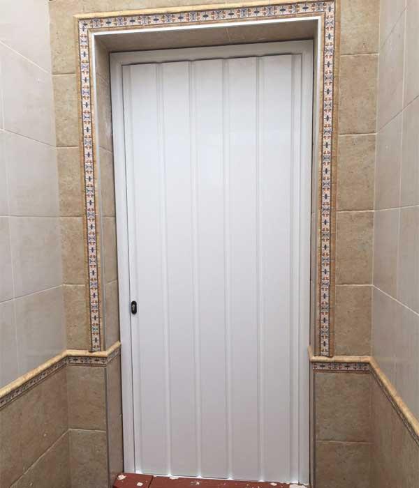 Puerta de aluminio reforzado de Aluminios Lito
